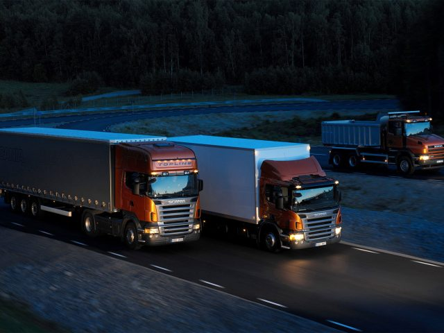 http://www.9000airportcars.com/wp-content/uploads/2015/09/Three-orange-Scania-trucks-640x480.jpg